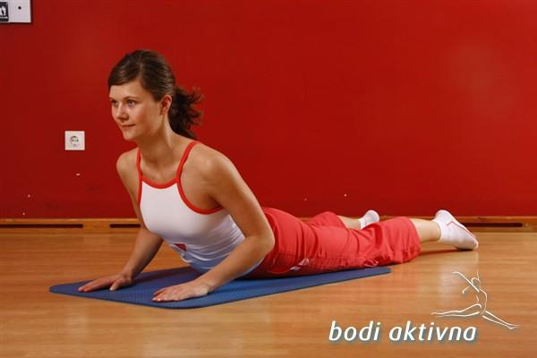 Razteg trebušnih mišic