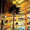 Od klasičnega bazarja do zavitih nakupovalnih uličic pa vse tja do večnadstropnih razkošnih trgovin – v Kairu boste našli skorajda vse.