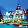 Hôtel Negresco v Nici je zgrajen v slogu Belle Époque in je na Promenade des Anglais.