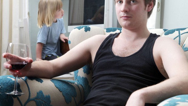 Alkohlizem v družini (foto: Shutterstock.com)