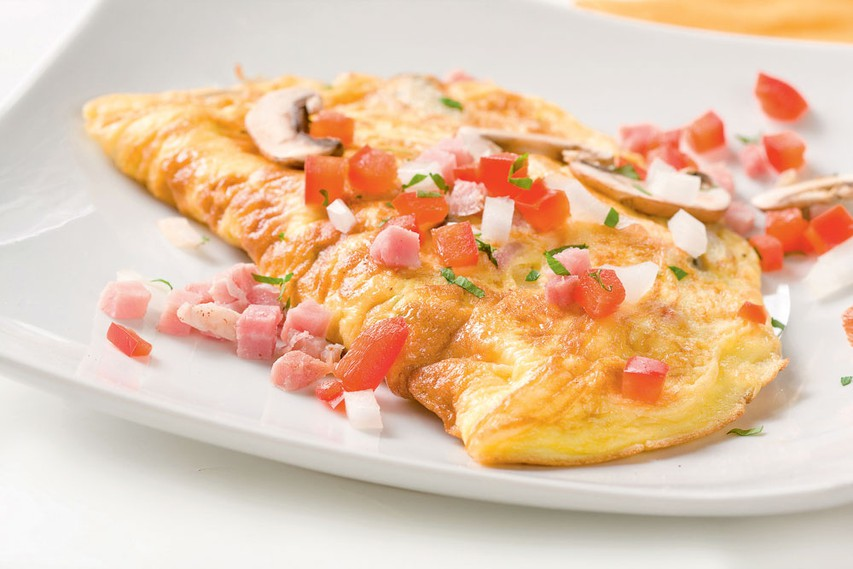 Omleta s šunko in papriko