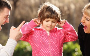 Verbalno nasilje strašev nad otroki