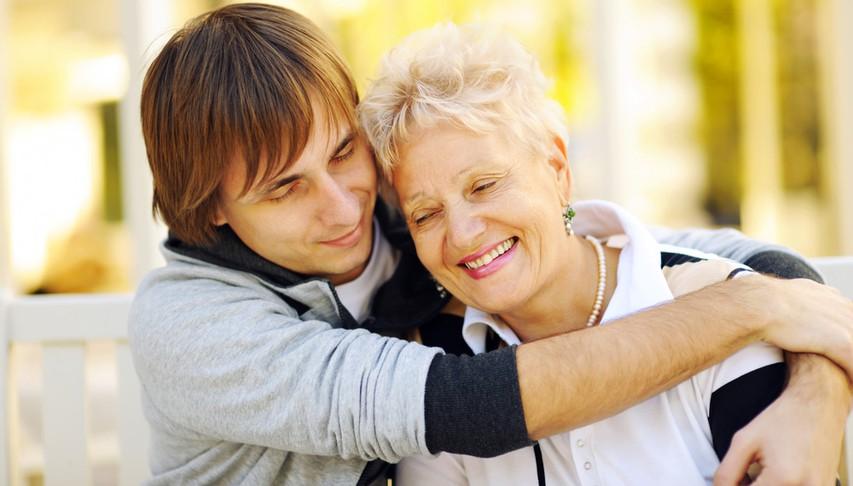 Kaj storiti, če se zaljubite v maminega sinčka?