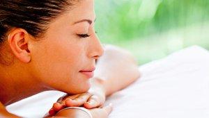 Sprostitev z masažo za vse tiste, ki se zavedate, da neobvladovanje stresa in stresnih situacij dolgoročno povzroča hujše zdravstvene težave.