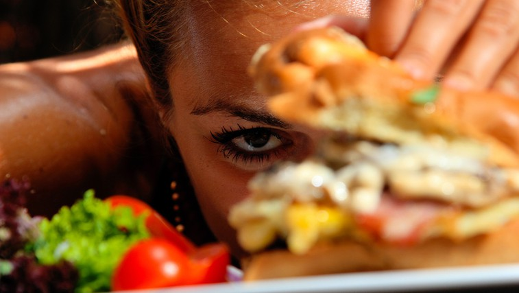 Kako nadzorovati hrepenenje po hrani? (foto: Shutterstock.com)