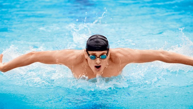 Kako se izogniti poškodbam pri plavanju? (foto: Shutterstock.com)