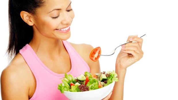 Paleo način prehranjevanja: preprosto se ravnajte po občutku in poslušajte, kaj vam sporoča telo. (foto: Shutterstock.com)