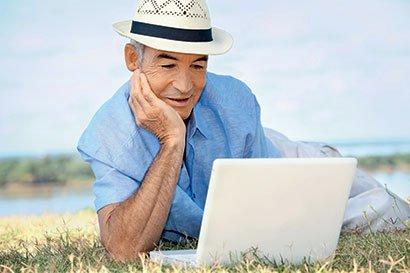 Raba interneta povečuje kakovost življenja starejših