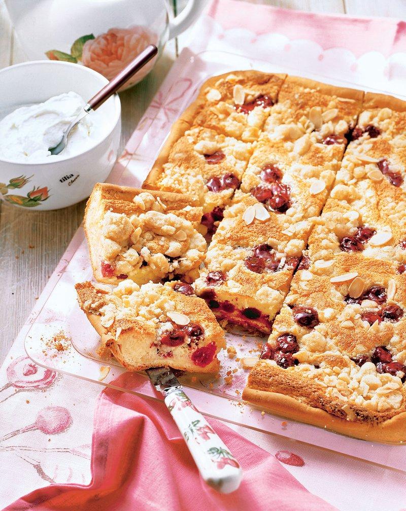 Sočen češnjev kolač