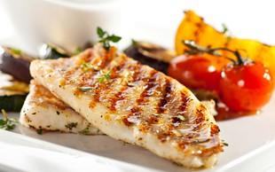 Najboljši triki za peko rib na žaru (z recepti)