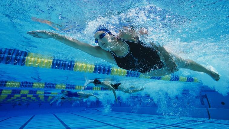Plavanje za zdrave sklepe (foto: Shutterstock.com)
