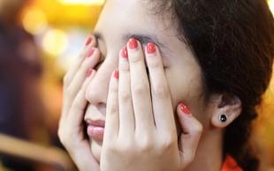 Skrbite za kožo okoli oči