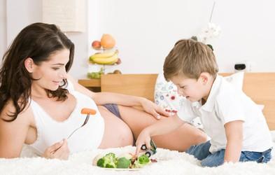 Plodnost žensk naglo upada po 35. letu starosti