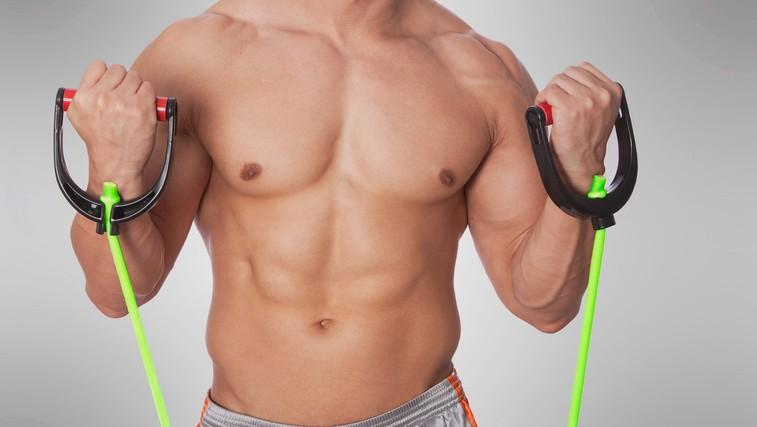 15-minutni trening z elastiko za čvrsto telo (foto: Profimedia)