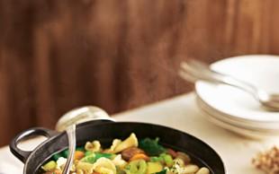 Zelenjavna juha z mesnimi cmočki