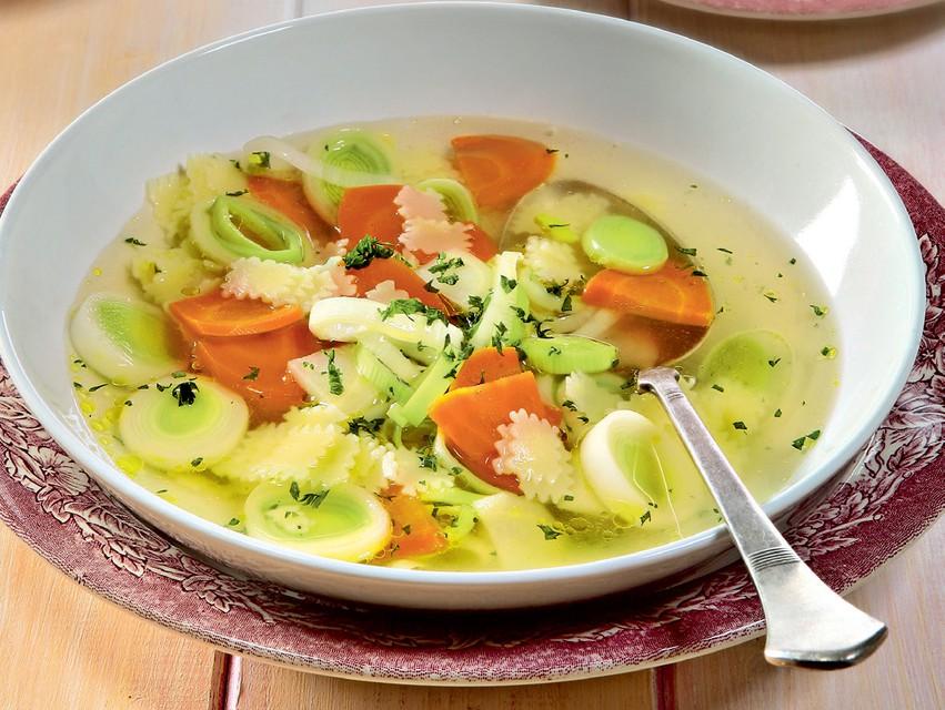 Recept: Zelenjavna juha z rezanci