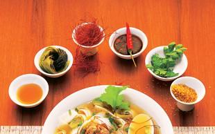 Tajska juha z riževimi rezanci