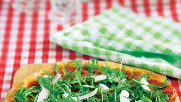 Pica z rukolo (foto: foodstock photo)