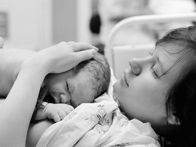 Porod doma je udoben, a priporočljiv le za zdrave nosečnice - Foto: Shutterstock.com
