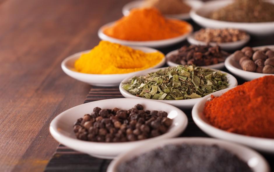 Zelišča in začimbe, ki pripomorejo k vitki postavi (foto: Shutterstock.com)