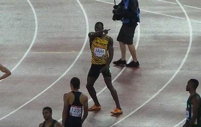 Tekač Usain Bolt za ogrevanje pleše na skladbo I'm Gonna Be in nam polepša dan