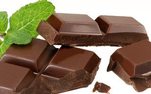 Recept: Zdravo sladkanje - z meto in koščki čokolade