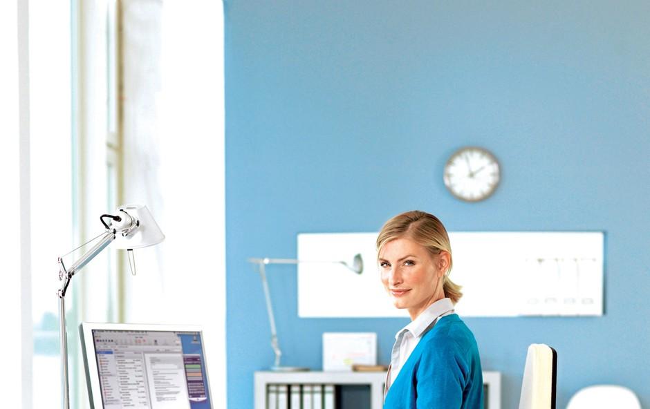Kako se izognete nevarnostim pri stoječem, sedečem delu in delu za računalnikom (foto: Revija Lisa)