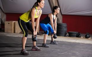 Kettlebell lifting: Snatch in mrtvi dvig za več moči, eksplozivnosti in boljšo koordinacijo