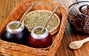 Čaji, ki spodbujajo presnovo in izločanje odpadnih snovi