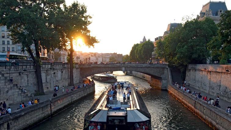 Romantični Pariz je eno najbolj obiskanih mest na svetu (foto: Tina Lucu)
