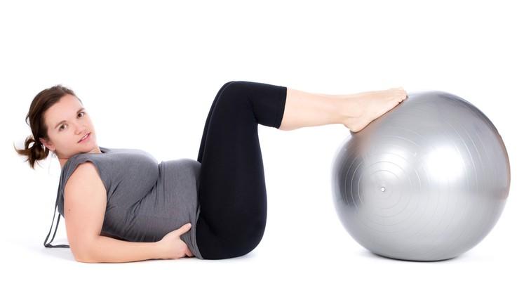 Kako se znebiti odvečnih kilogramov po porodu? (foto: Shutterstock.com)
