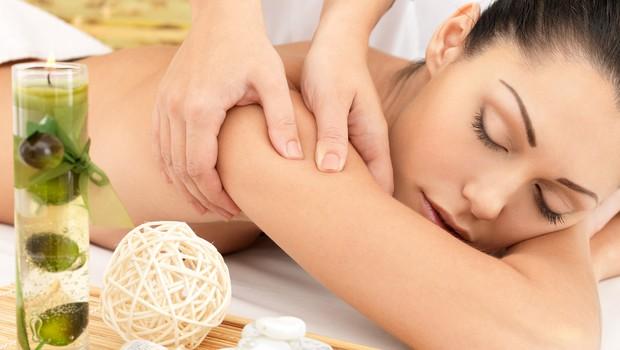 Zdravljenje z masažami (foto: Shutterstock.com)