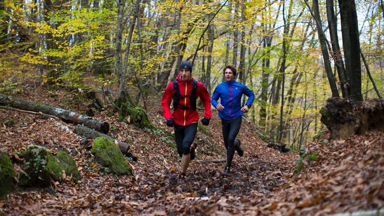 Ne dopustite, da vas hladnejši meseci odvrnejo od tekaških aktivnosti! (foto: Salomon)