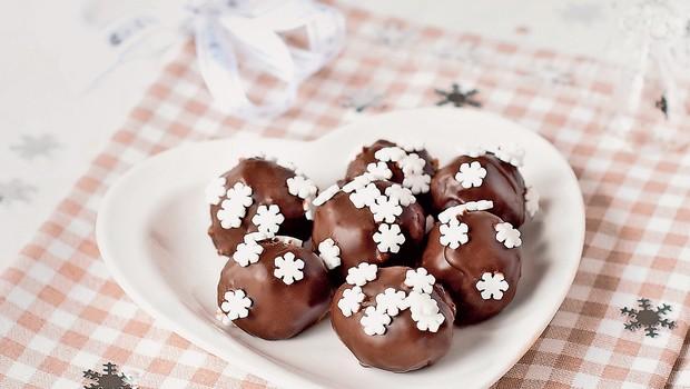 Božično pecivo brez peke (foto: Revija Čarovnija okusa)