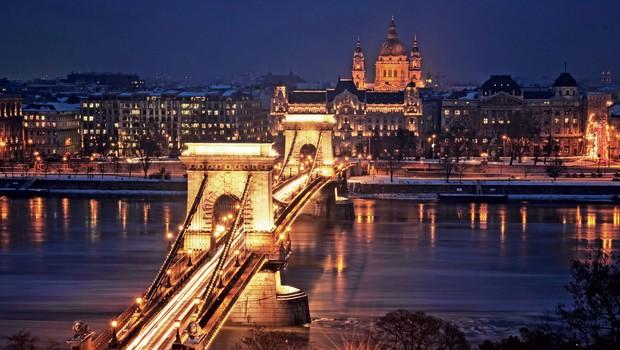 Verižni most je najstarejši most v Budimpešti ter hkrati njen zaščitni znak. (foto: Revija Moje Stanovanje)