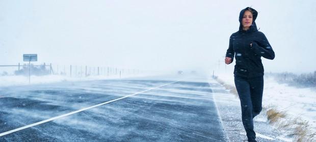 tek-zima-veter-sneg