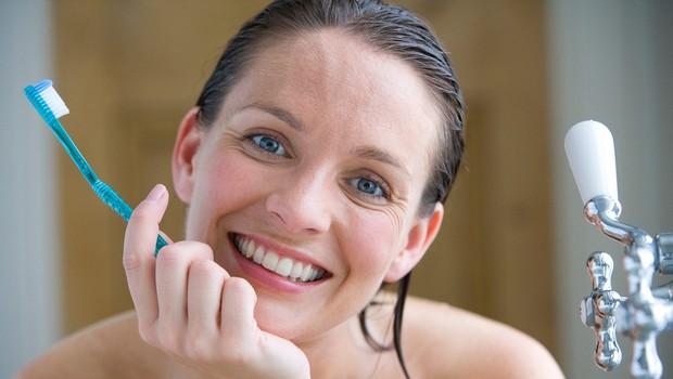 Kako naravno pobeliti zobe? (foto: profimedia)
