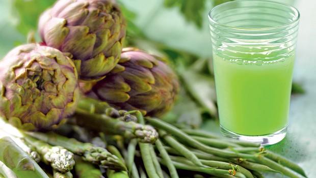 Zdravi in vitki z zdravilnimi sokovi