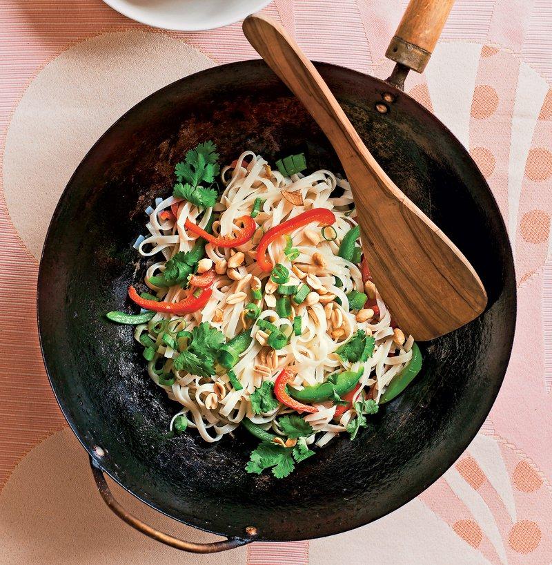riževi rezanci, meso, zelenjava