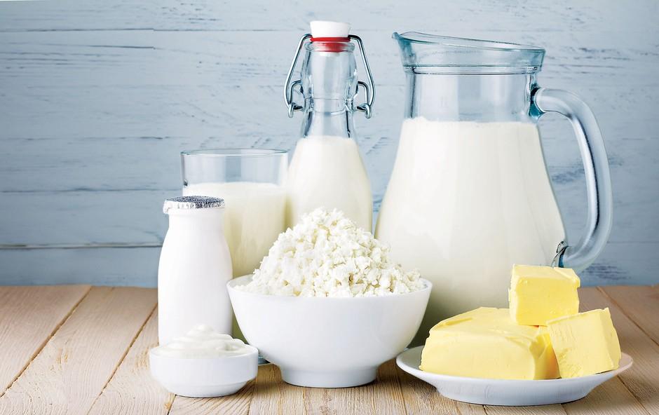 Intoleranca na laktozo: Kako nadomestite mleko, smetano in skuto? (foto: Revija Lisa)
