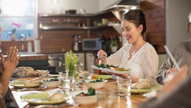 Kako ohraniti zdrave prehranjevalne navade na delovnem mestu? (foto: profimedia)