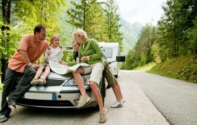 5 zlatih pravil, ki jih je dobro upoštevati na daljši poti z avtomobilom