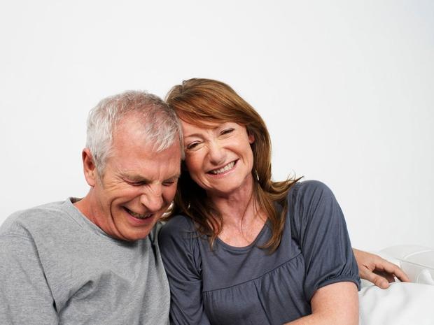 Pogovarjanje Kaj določa srečno zvezo? Raziskovalci so odkrili, da jo prepoznamo po pogovorih. Srečni pari se le približno 10 odstotkov …