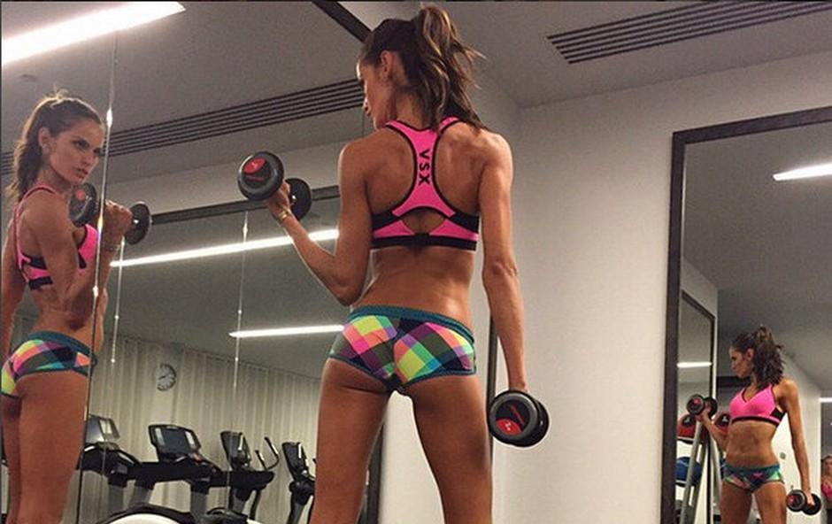 Trenerka odgovarja: Ali lahko z vadbo ustvarimo videz dolgih nog? (foto: Instagram Izabel Goulart)