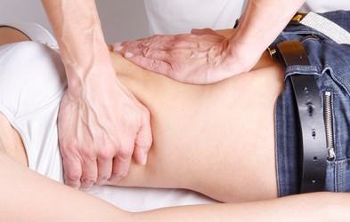 Kdaj lahko kiropraktik pomaga in kdaj škodi?