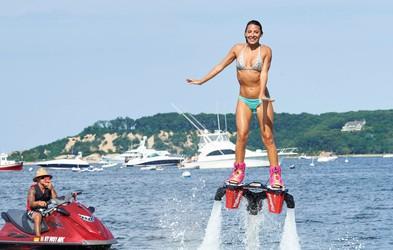 Flyboarding: Futuristični vodni šport, ki je obnorel Newyorčane