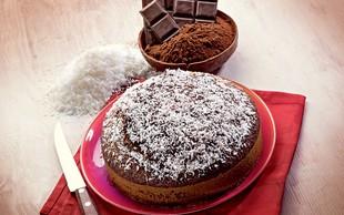 RECEPT: Preprosta čokoladna veganska torta
