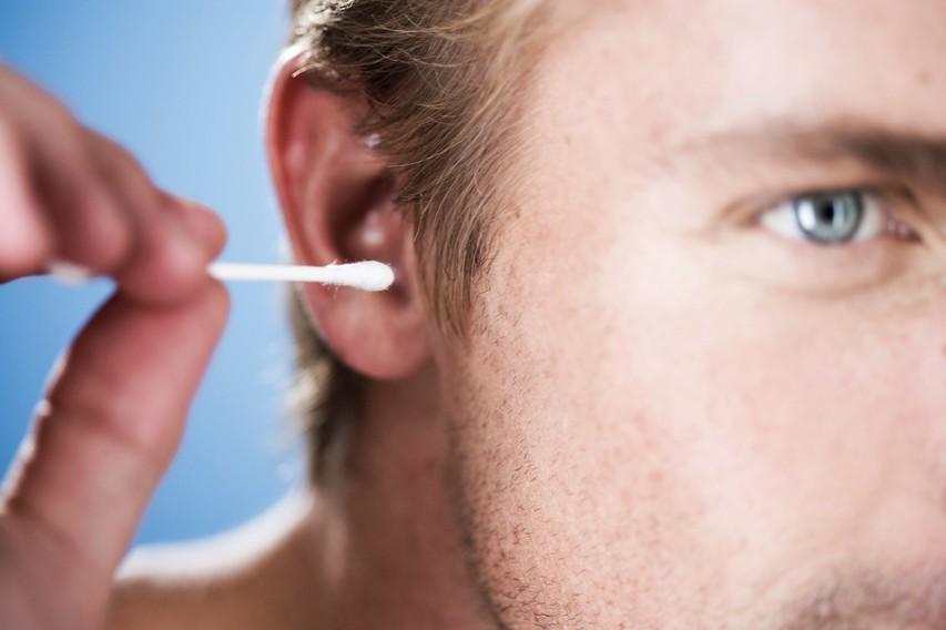 Ušesa si čistite prepogosto!