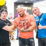 Radijec Tadej Bricelj, bodybuilder Benjamin Radič in borec Denis Chorchyp so vedno za šalo. (foto: Aleksandar Domitrica)
