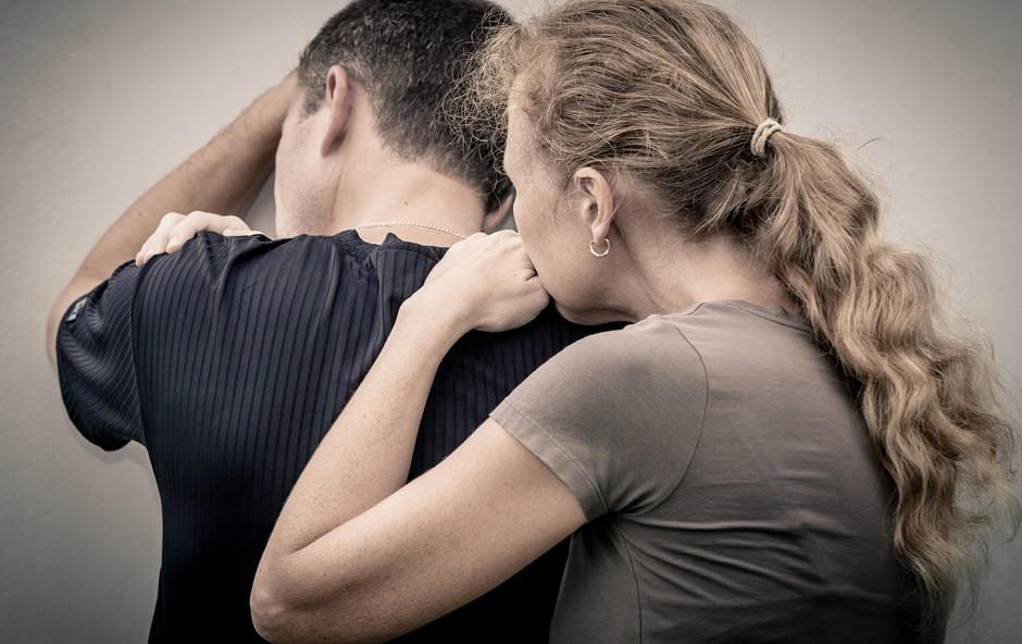 Bi prepoznali, ali ste v odnosu čustveno zlorabljeni? (foto: Shutterstock.com)